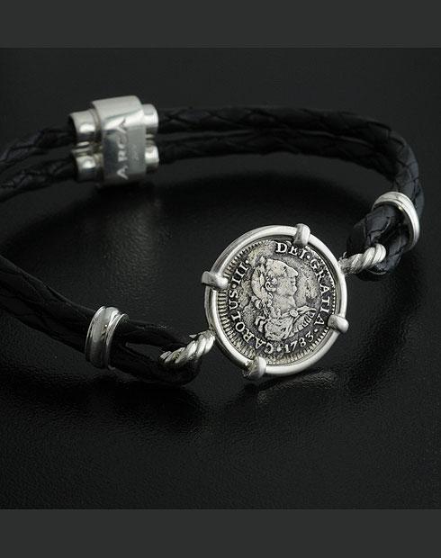 el cazador shipreck coin pendant