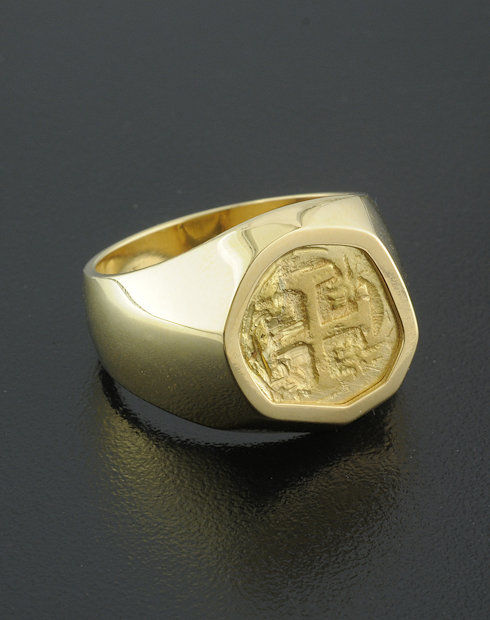 spanish one escudo cob coin pendant