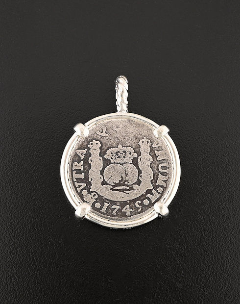 spanish pillar two realescoin pendant